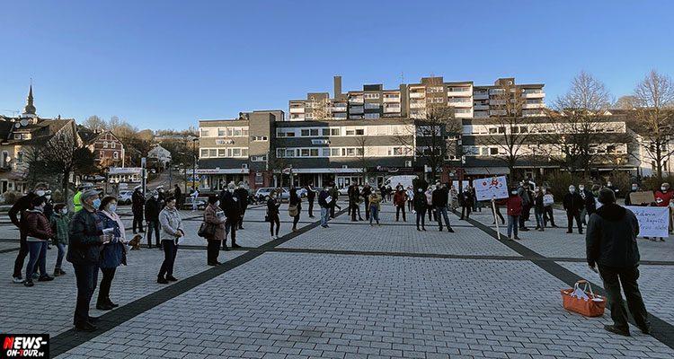 Bergneustadt: ´Offene Corona Kundgebung. Beendet den Lockdown´auf dem Rathausplatz (Mit Video!)
