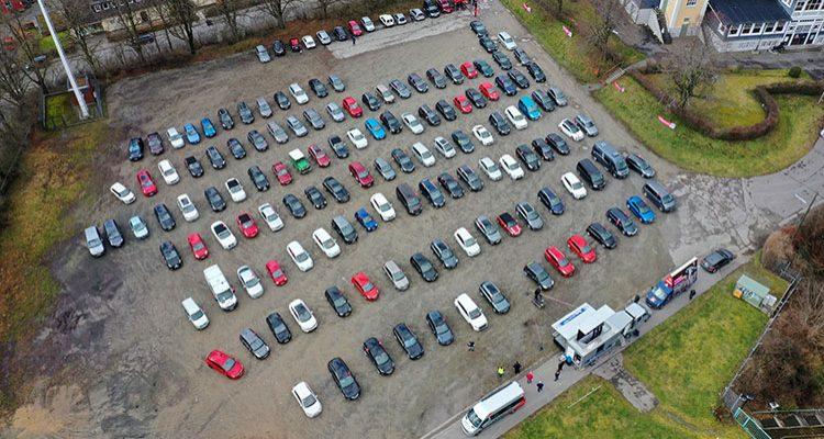 Gummersbach: Warnstreik! Kundgebung der IG Metall im Autokinoformat lockte rund 500 Teilnehmer