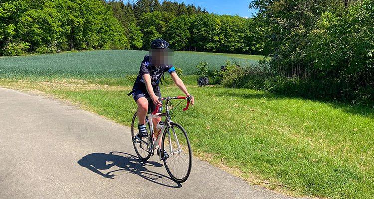 Radfahrer nach Sturz im Wald schwer verletzt (Wiehl)