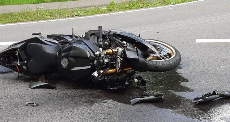Notarzt! Motorradfahrer bei Verkehrsunfall schwer verletzt (Waldbröl)