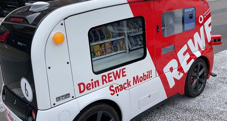 REWE Snack Mobil! Winke Winke. Der süßer Flitzer rollt autonom und lautlos durch das Carlswerk Köln (Mit Video!)